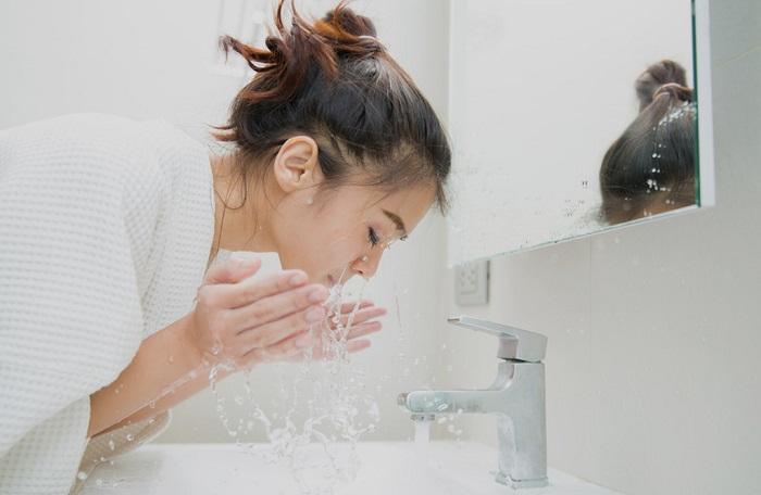 Sữa rửa mặt cho bà bầu
