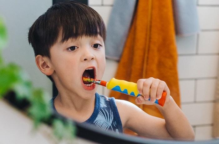 Bàn chải đánh răng điện cho bé